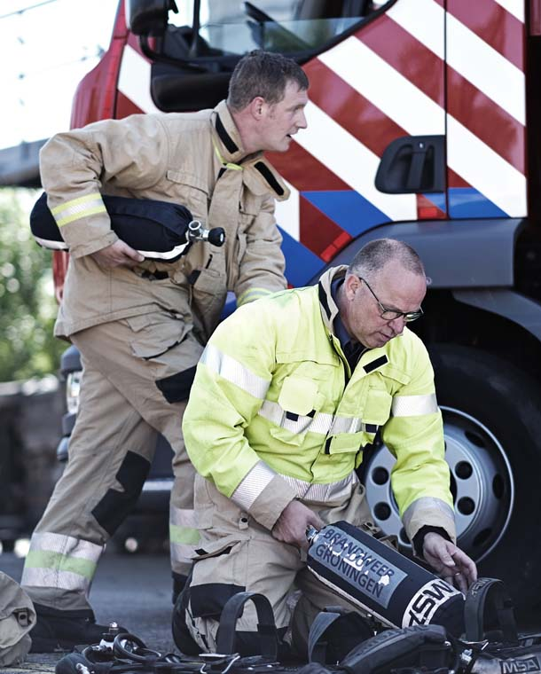 Fire_Service_protective_clothing_3