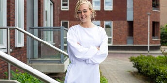 Reusable-gown_2-1