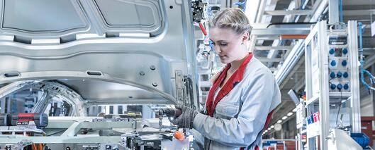 Audi entscheidet sich bei neuer arbeitskleidung für tragekomfort & look